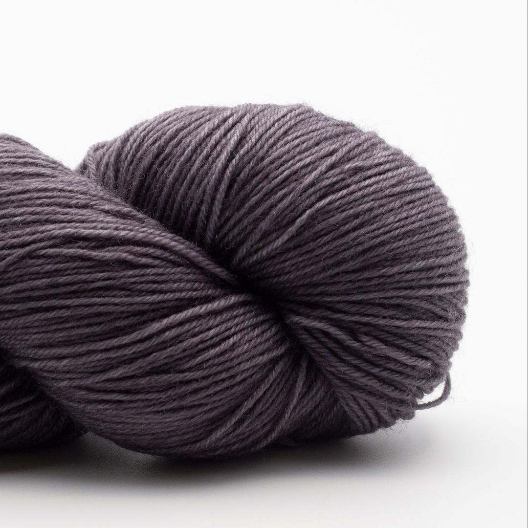 Kremke Soul Wool Lazy Lion Strømpegarn Ensfarvet meleret Steel Grey