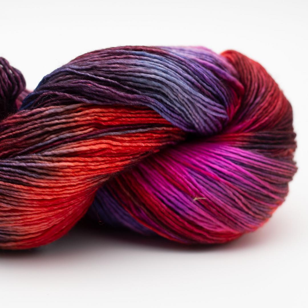 Manos del Uruguay Alma hand dyed Passion